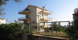 Παραθαλάσσια Κατοικία (Βρομονέρι)